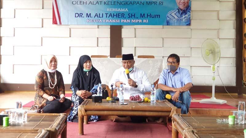 Ali Taher Temui Konstituennya di Tangsel, Paparkan Soal UU Ominbus Law