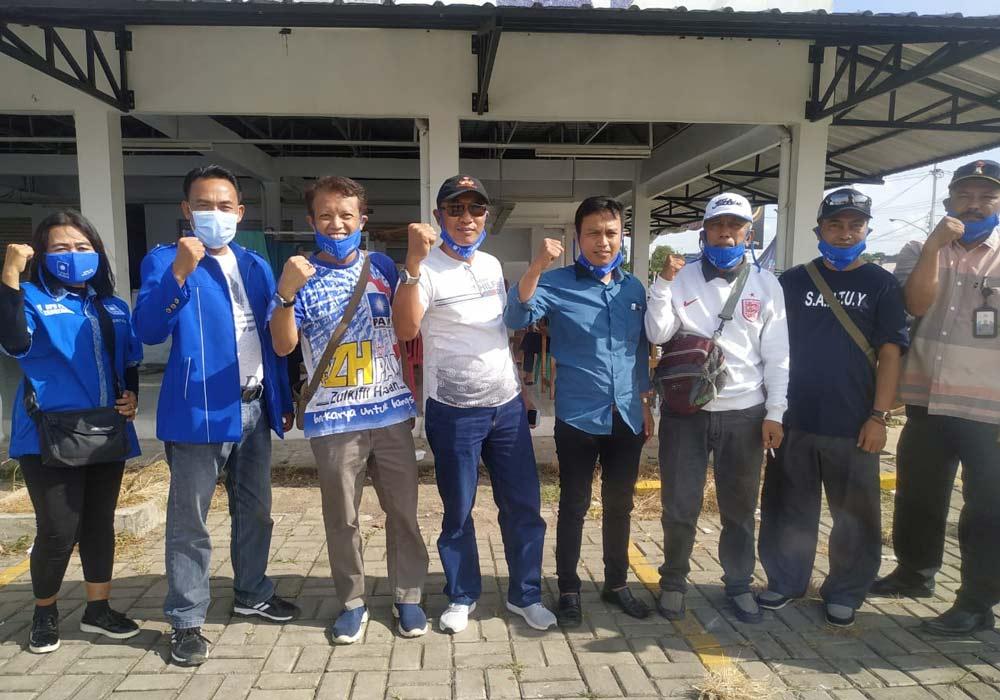 Bakal Calon Ketua DPD PAN Kabupaten Tangerang Bagi-Bagi Masker