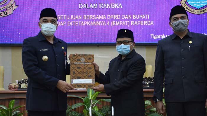 DPRD Bersama Bupati Tangerang Sahkan 4 Perda