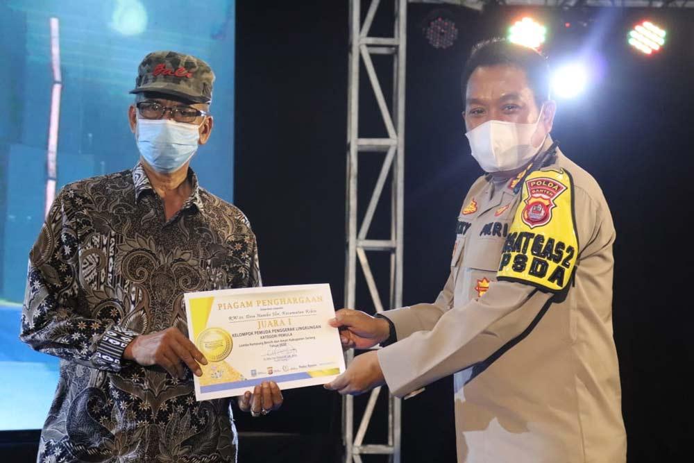 Dirbinmas Polda Banten Berikan Penghargaan Kepada Pemenang Lomba Kampung Tangguh Kalimaya dan LKBA Tahun 2020