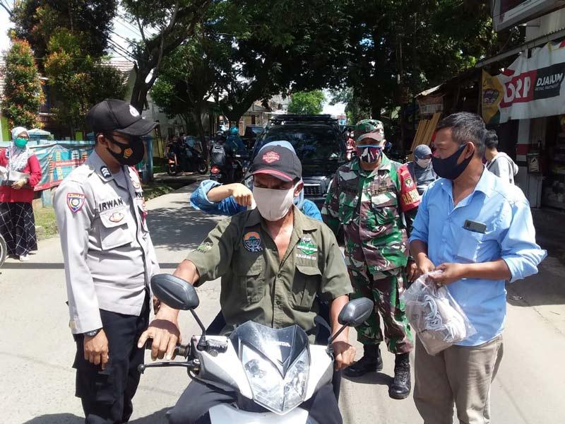 Pemdes Pasirnangka Gelar Rapat Gebrak Masker dan Sosialisasi Pencegahan Penyebaran Virus Covid-19