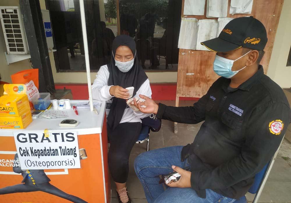 peringati hari ibu, pmi dan pemerintah kecamatan tigaraksa gelar donor darah