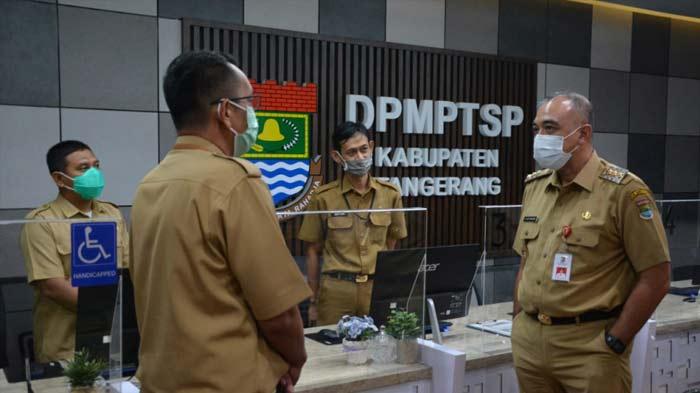 Bupati Tangerang Lakukan Sidak ke Layanan Publik di Hari Pertama Kerja di Awal Tahun 2021