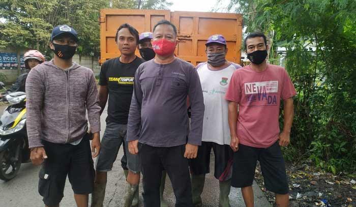 Gerak Cepat, DLHK Kabupaten Tangerang Atasi Tumpukan Sampah Liar
