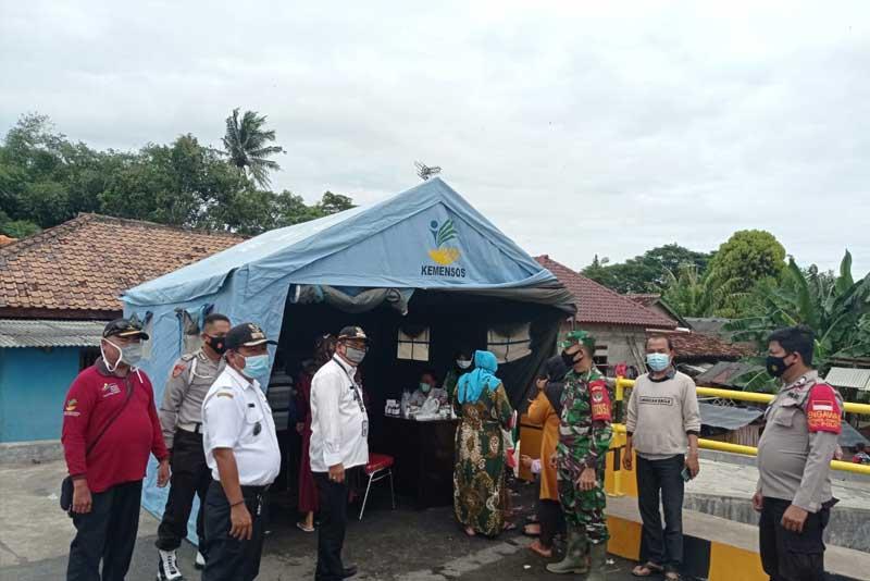 Pemdes Kedung, Gandeng Tim Medis Berikan Pengobatan Gratis Kepada Warga Terdampak Banjir