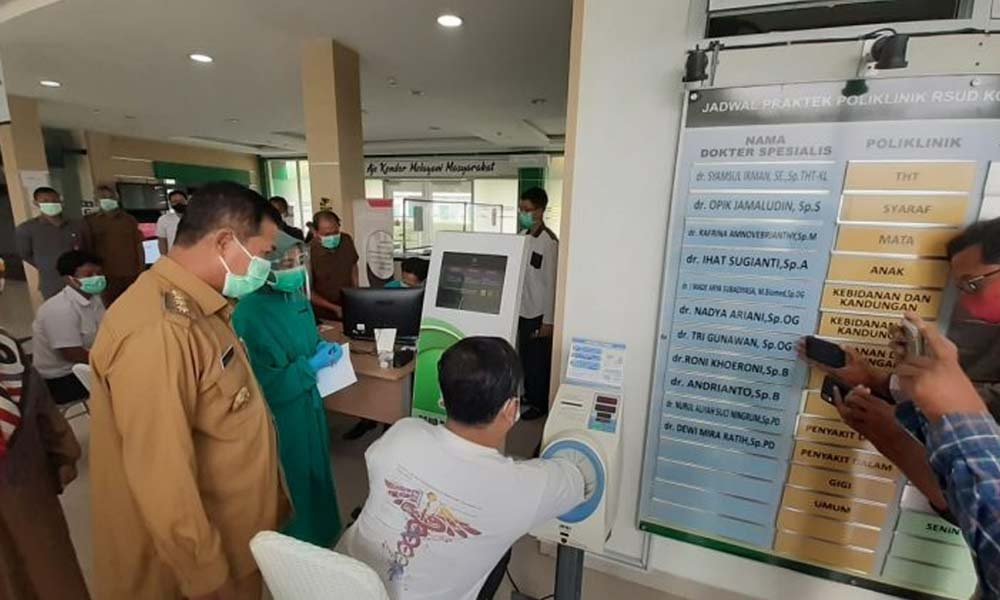 Wali Kota Serang Tinjau Pelaksanaan Vaksinasi Petugas Dinkes
