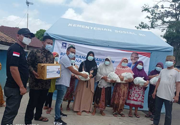 Ahmad Farisi Taher Salurkan Bantuan untuk Korban Banjir Kabupaten Tangerang