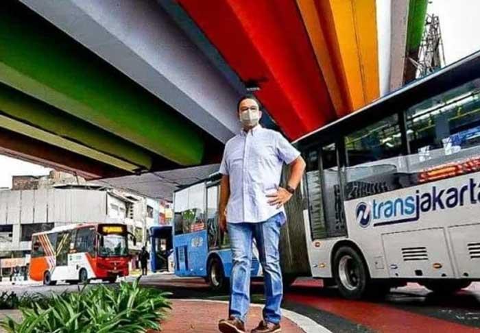 Dinobatkan Pahlawan Transportasi, Anies : Ini Hasil Kerja Bersama Seluruh Jajaran Pemprov DKI Jakarta