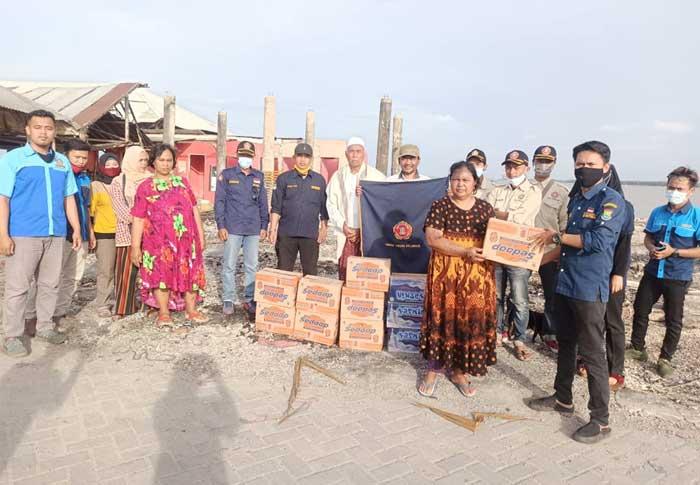 Pengurus MPKT Karang Taruna Kabupaten Tangerang Berikan Bantuan Korban Kebakaran