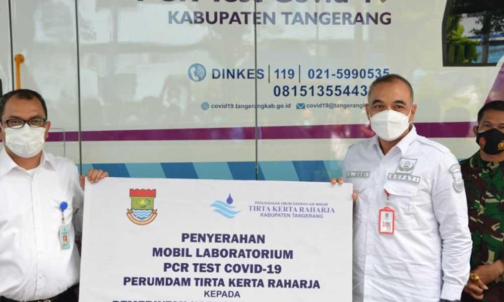 Bupati Tangerang Terima Langsung Bantuan Mobil Tes PCR COVID-19 dari Perumdam TKR