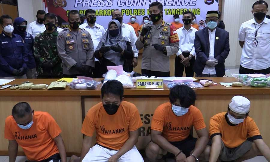 Gelar Pesta Sabu, Oknum Kades Sentul Terancam Hukuman 20 Tahun Penjara