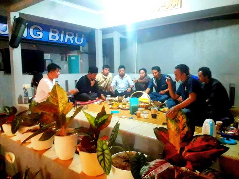 Pengurus Katar Kabupaten Tangerang Bukber di Saung Biru Legok