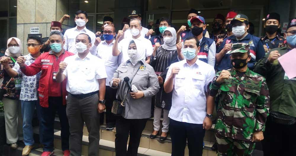 Bantu PMI, Anggota DPD RI DKI Salurkan 300 Kantong Donor Darah