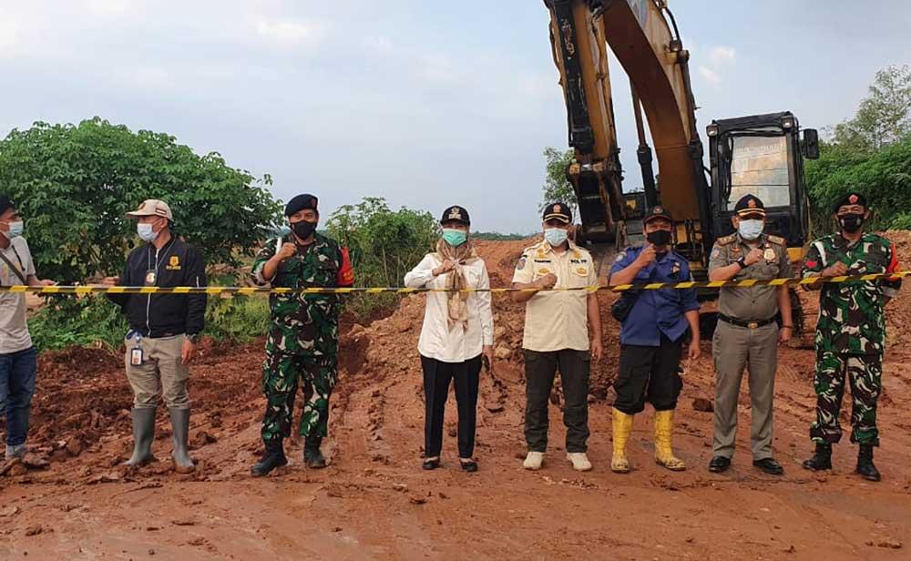 Respon Keluhan Warga, Camat Tigaraksa dan Satpol PP Langsung Tutup Galian Tanah