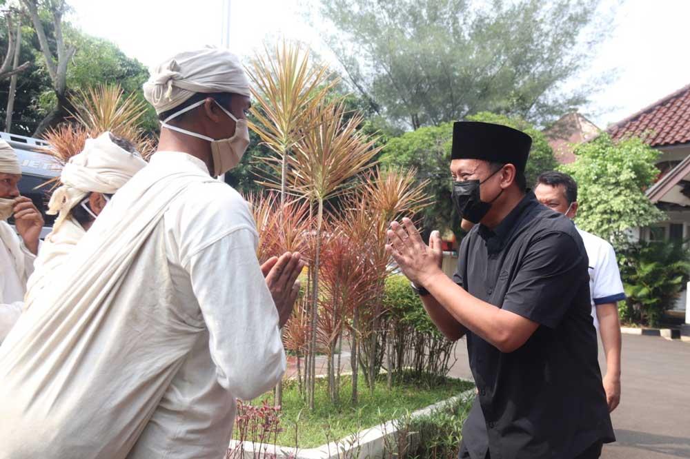 Rumah Dinasnya Dikunjungi Masyarakat Baduy, Kapolda Banten: Ini Merupakan Suatu Penghormatan