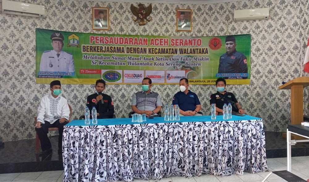 Persaudaraan Aceh Seranto Gelar Khitanan Massal di Kecamatan Walantaka