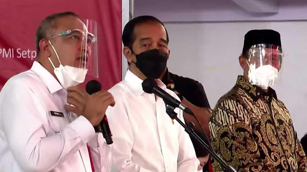 Presiden Tinjau Pelaksanaan Vaksinasi di Kelapa Dua Tangerang
