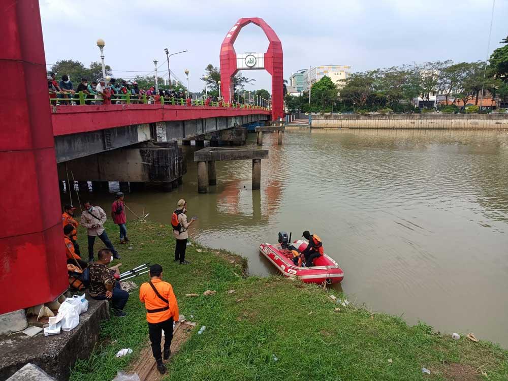 Tim SAR Gabungan Belum Temukan Jasad Seorang Pria yang Menceburkan Diri Ke Sungai Cisadane