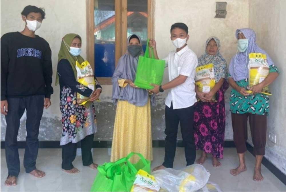 KBM Tangerang Gelar Aksi Blusukan Level 4 Bagikan Paket Sembako di Rajeg dan Mauk