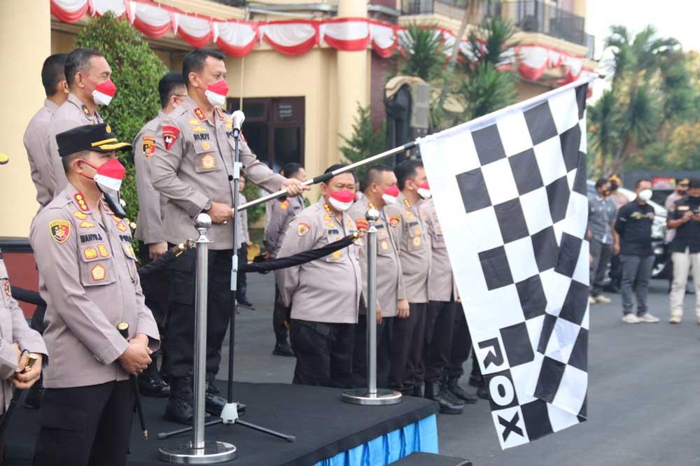 Kapolda Banten Lepas Pendistribusian Baksos Alumni Akpol Angkatan 93 Batalyon Pesat Gatra