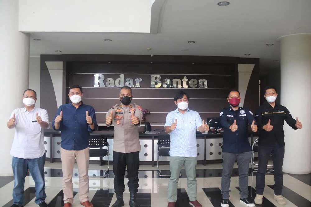 Tingkatan Sinergitas dengan Media, Kabid Humas Polda Banten Kunjungi Kantor Radar Banten