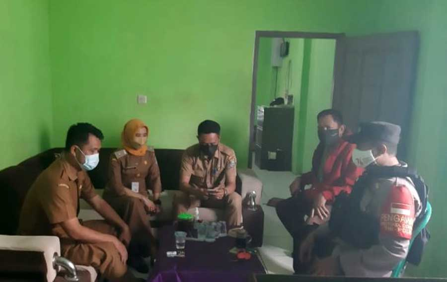 Bhabinkambtibmas Polsek Balaraja Pantau Tahapan Perkembangan Pilkades di Desa Kubang