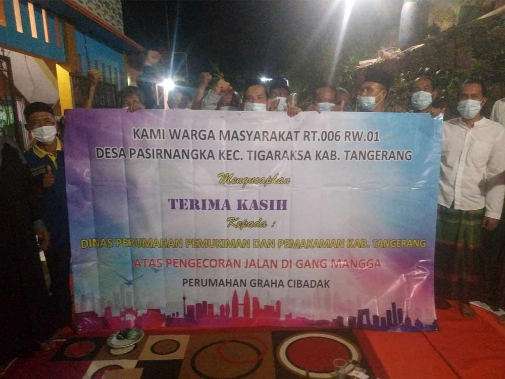 Jalan Mulus, Warga Perum Graha Cibadak Ucapkan Terima Kasih Kepada Bupati Tangerang