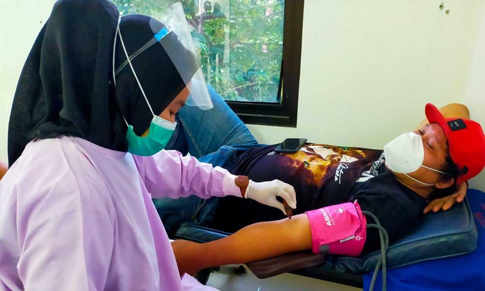 PMI dan Untara Kumpulkan 60 Kantong Darah Untuk Kemanusiaan